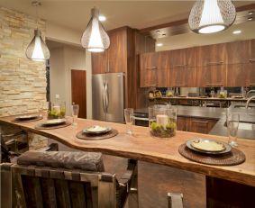 Inspiring u shaped kitchen ideas with breakfast bar (42)