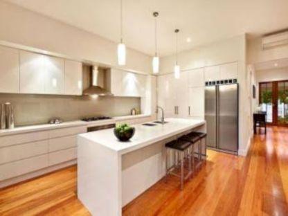 Inspiring u shaped kitchen ideas with breakfast bar (49)