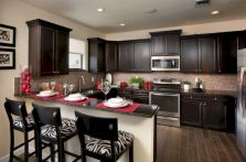 Inspiring u shaped kitchen ideas with breakfast bar (58)