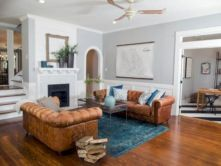 Stylish dark wood floor ideas for your living room (28)