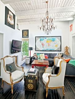 Stylish dark wood floor ideas for your living room (55)