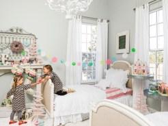 Adorable and fun christmas kids room design ideas 21
