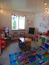 Adorable and fun christmas kids room design ideas 38