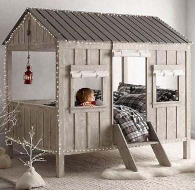 Adorable and fun christmas kids room design ideas 52
