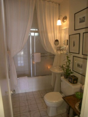 Affordable shower curtains ideas for small apartments 35