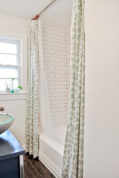 Affordable shower curtains ideas for small apartments 42