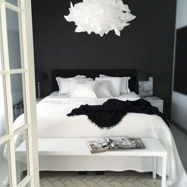 Amazing black and white bedroom ideas (12)