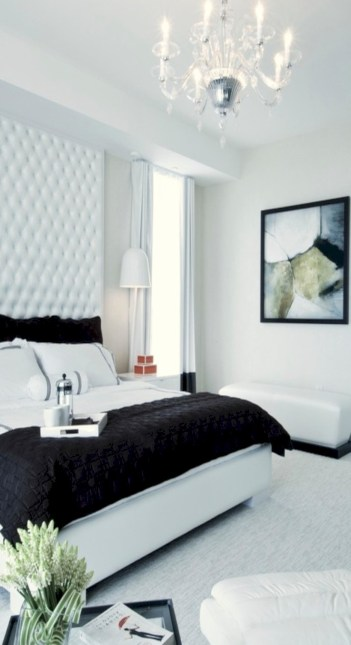 Amazing black and white bedroom ideas (13)
