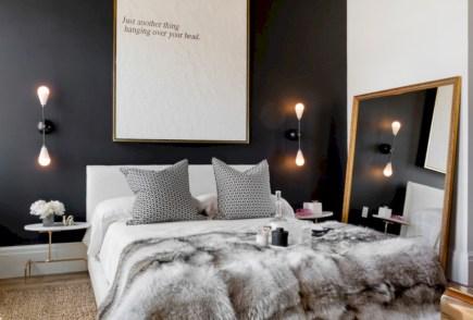 Amazing black and white bedroom ideas (17)