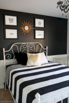 Amazing black and white bedroom ideas (18)