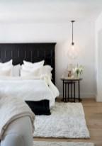 Amazing black and white bedroom ideas (22)