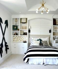 Amazing black and white bedroom ideas (27)