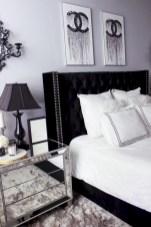 Amazing black and white bedroom ideas (47)
