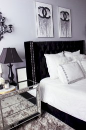 Amazing black and white bedroom ideas (47)