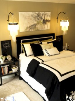 Amazing black and white bedroom ideas (51)