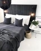 Amazing black and white bedroom ideas (7)