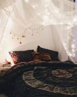 Amazing bohemian bedroom decor ideas 42