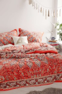 Amazing bohemian bedroom decor ideas 43