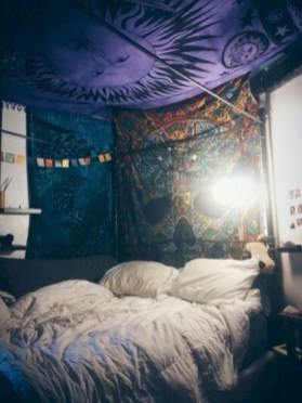 Amazing bohemian bedroom decor ideas 49