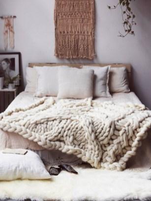 Amazing bohemian bedroom decor ideas 54