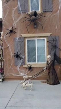 Amazing halloween window decoration ideas 11