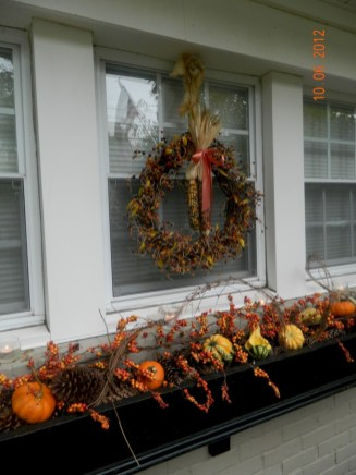 Amazing halloween window decoration ideas 13