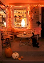 Amazing halloween window decoration ideas 30