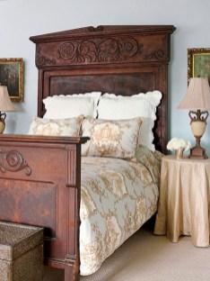 Antique and unique bedroom decorating ideas 09