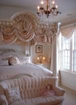 Antique and unique bedroom decorating ideas 15