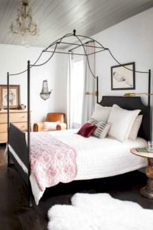Antique and unique bedroom decorating ideas 33