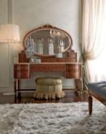 Antique and unique bedroom decorating ideas 35
