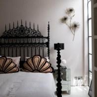 Antique and unique bedroom decorating ideas 41