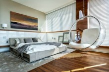 Beautiful bedrooms design ideas with swing chairs 13