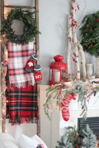 Beautiful christmas decoration ideas in red domination 21