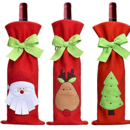 Beautiful christmas decoration ideas in red domination 49