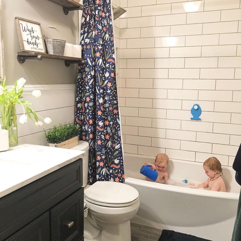 Beautiful subway tile bathroom remodel and renovation (26)