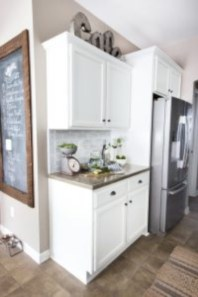 Budget friendly kitchen makeover ideas 39