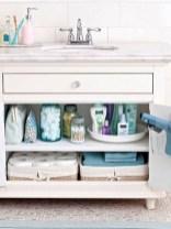 Cool organizing storage bathroom ideas (49)