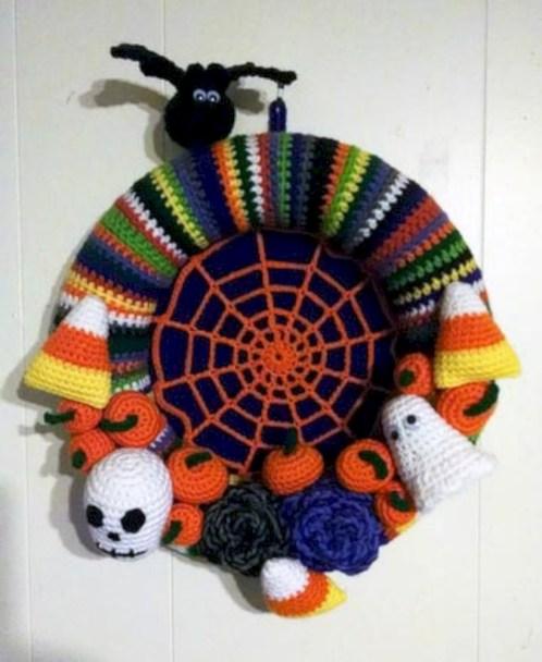 Creative diy halloween decorations using spider web 12