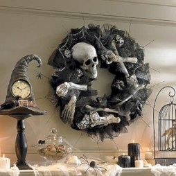 Creative diy halloween decorations using spider web 43