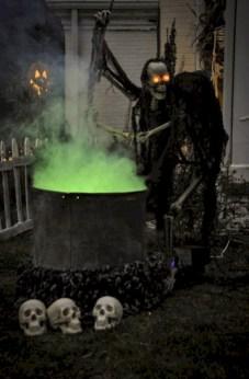 Creative diy halloween outdoor decoration ideas 25