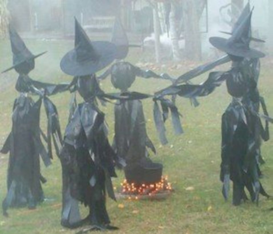Creative diy halloween outdoor decoration ideas 31