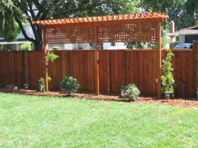 Diy backyard privacy fence ideas on a budget (17)