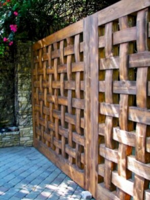 Diy backyard privacy fence ideas on a budget (21)