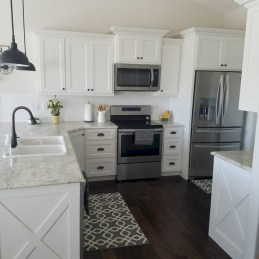 Decorate awesome kitchen with farmhouse cabinet (29)