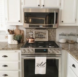 Decorate awesome kitchen with farmhouse cabinet (32)