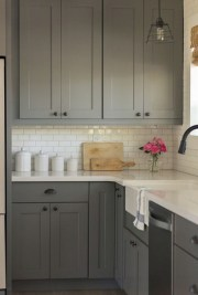 Decorate awesome kitchen with farmhouse cabinet (33)