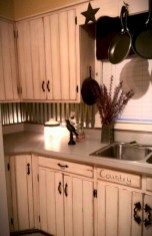 Decorate awesome kitchen with farmhouse cabinet (43)