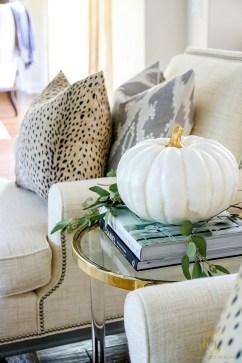 Elegant halloween living room decoration ideas 05