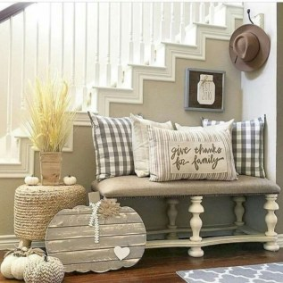 Elegant halloween living room decoration ideas 24